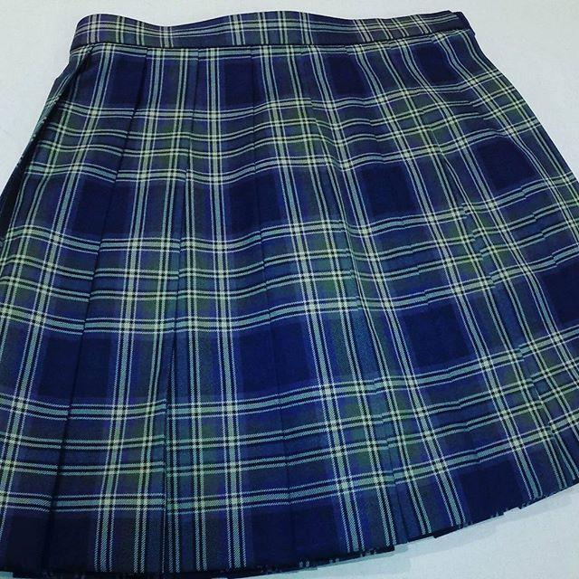 #高校生 #制服 #スカート 丈をひと柄分カットしました。約12cm短くなっています。#洋服のリフォーム #スレッド名古屋 #名古屋 #栄 #ファッション
