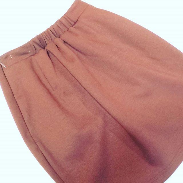 ゴムのウエストを−6cm細くしました。ゴム有りスカート ウエスト詰め¥4320〜#洋服のリフォーム #スレッド名古屋 #メルサ栄本店 #ファッション #resexy #名古屋 #栄 #名古屋栄 #スカート #ウエスト #ハイウエスト
